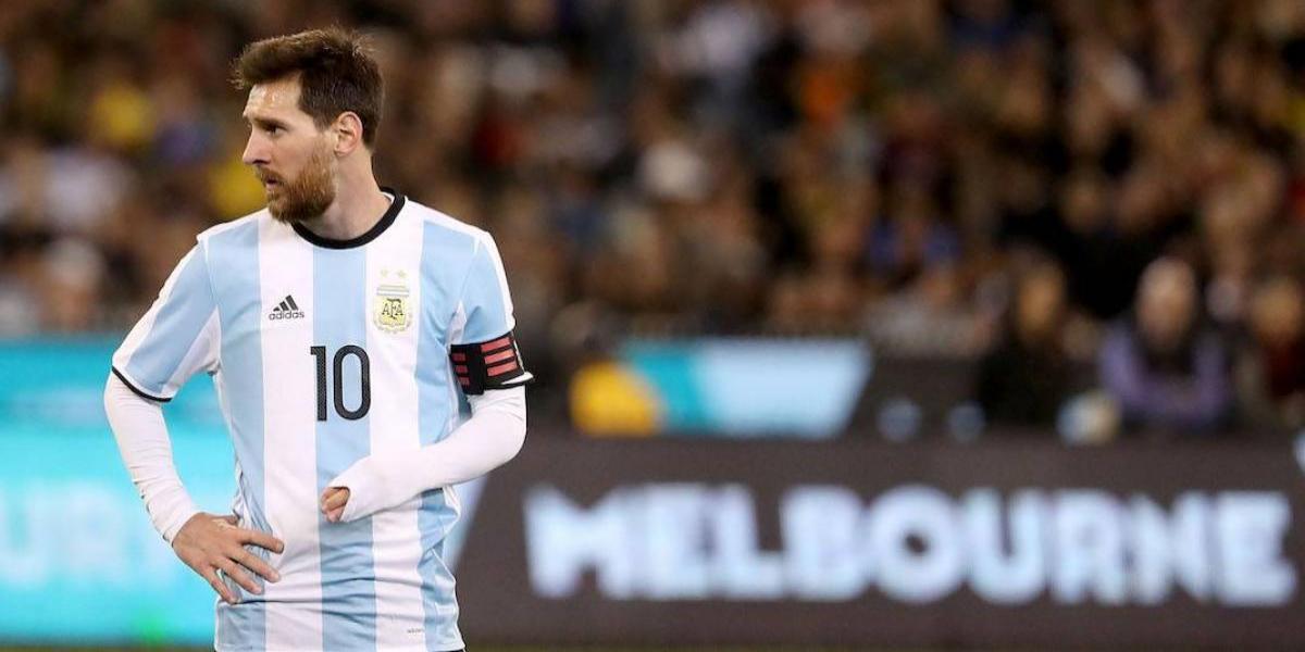 VIDEO: El barrio de Messi celebra 30 años de habilidad y grandeza de su ídolo