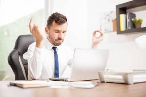 Los beneficios de hacer yoga en el trabajo