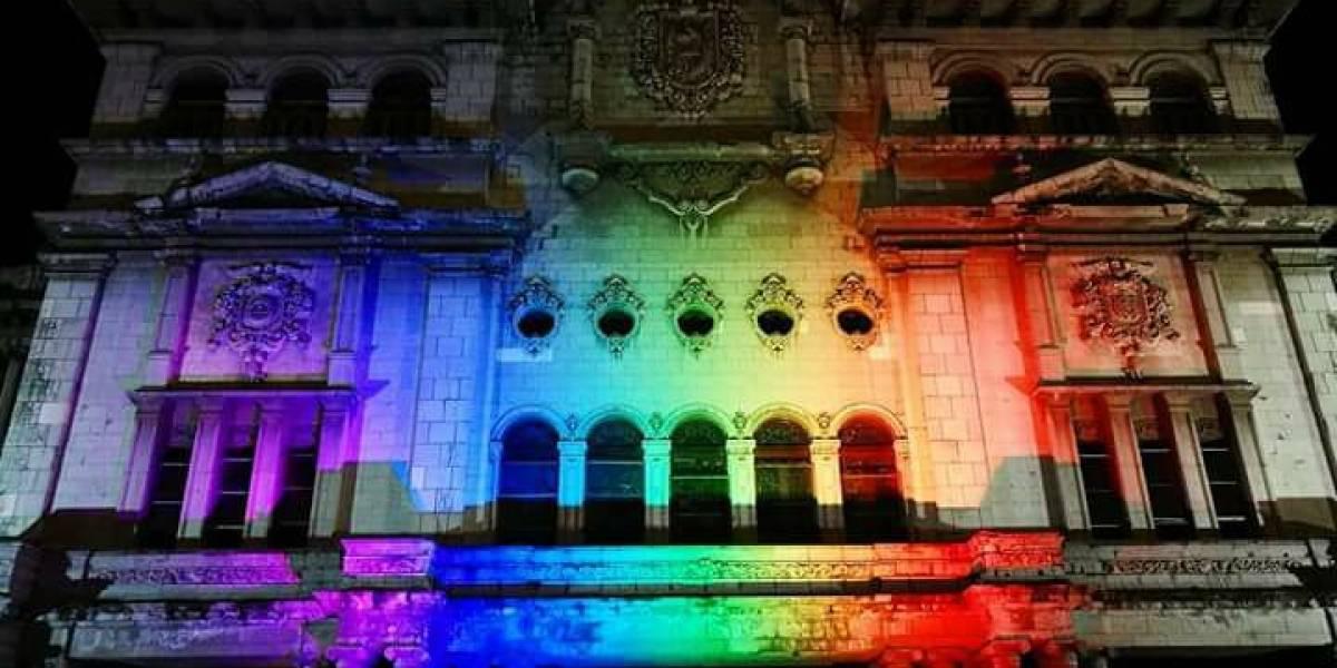 """Proyectar la bandera LGTBI en el Palacio fue un """"sueño hecho realidad"""""""