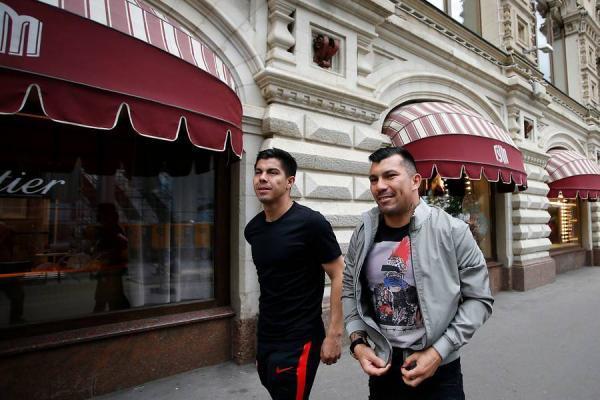 El Gato Silva es uno de los más cercanos a Gary Medel en el plantel de la Roja / Photosport