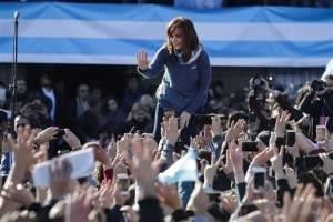 Cristina Fernández se postula como candidata al Senado de Argentina