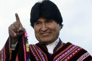"""Morales compara a Piñera con Rey Juan Carlos I: """"Ambos responden a monarquías"""""""