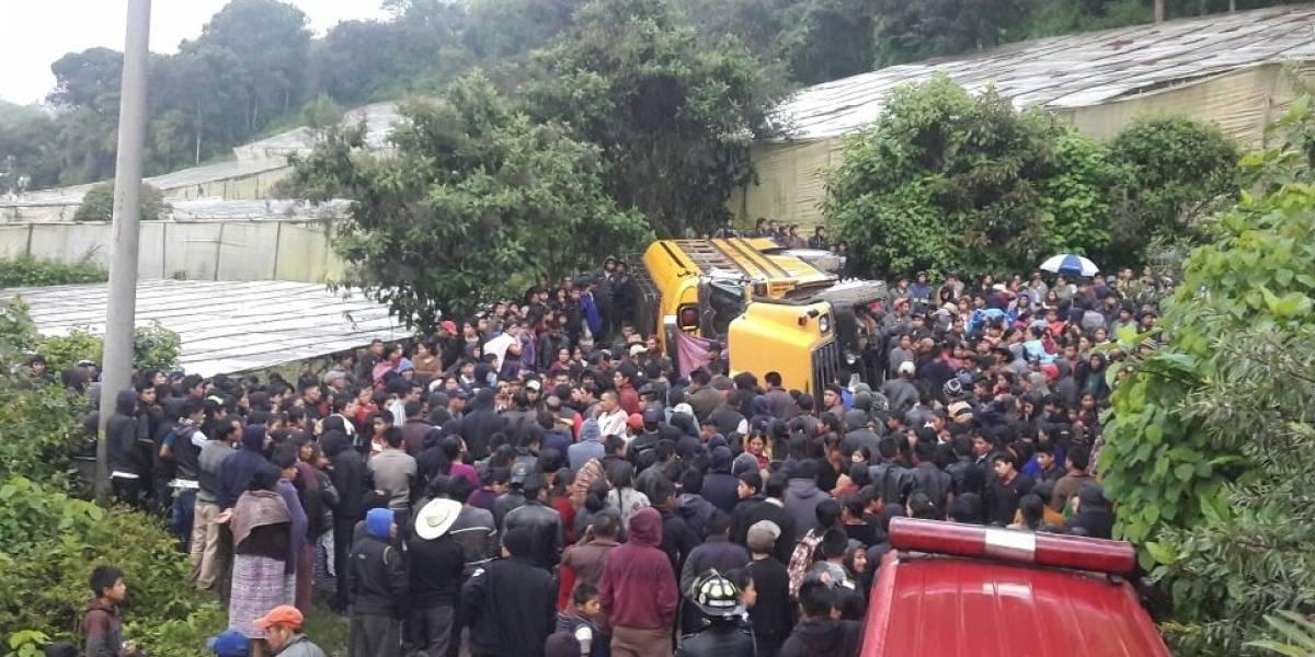 Mueren dos personas y otros resultan heridos por accidente en bus