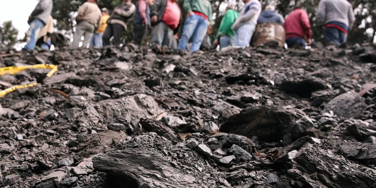 Al menos dos mineros estarían atrapados por derrumbe en Cucunubá