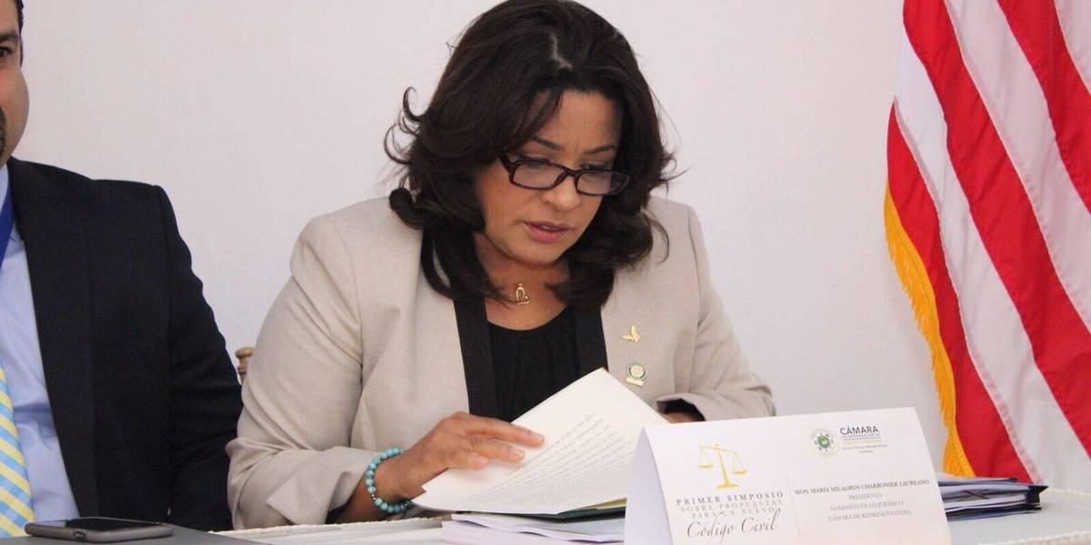 Representantes PNP arremeten contra Pichy Torres