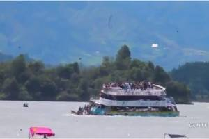 Barco con 150 turistas se hunde en Guatapé; reportan tres muertos