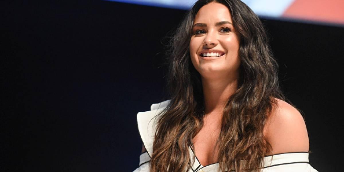 Demi Lovato enciende las redes con su escote
