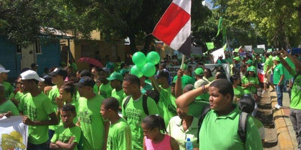 Los Tres Brazos y demás barrios de SDE  se unen para protestar en contra la corrupción