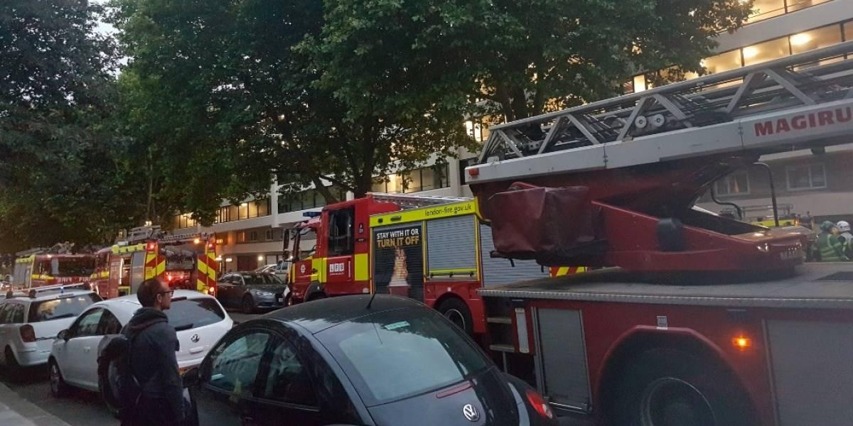 Nuevo incendio en edificio de departamentos alarma a Londres