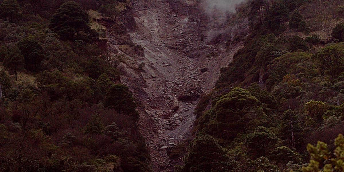 Derrumbe en volcán de Agua impide paso a los turistas