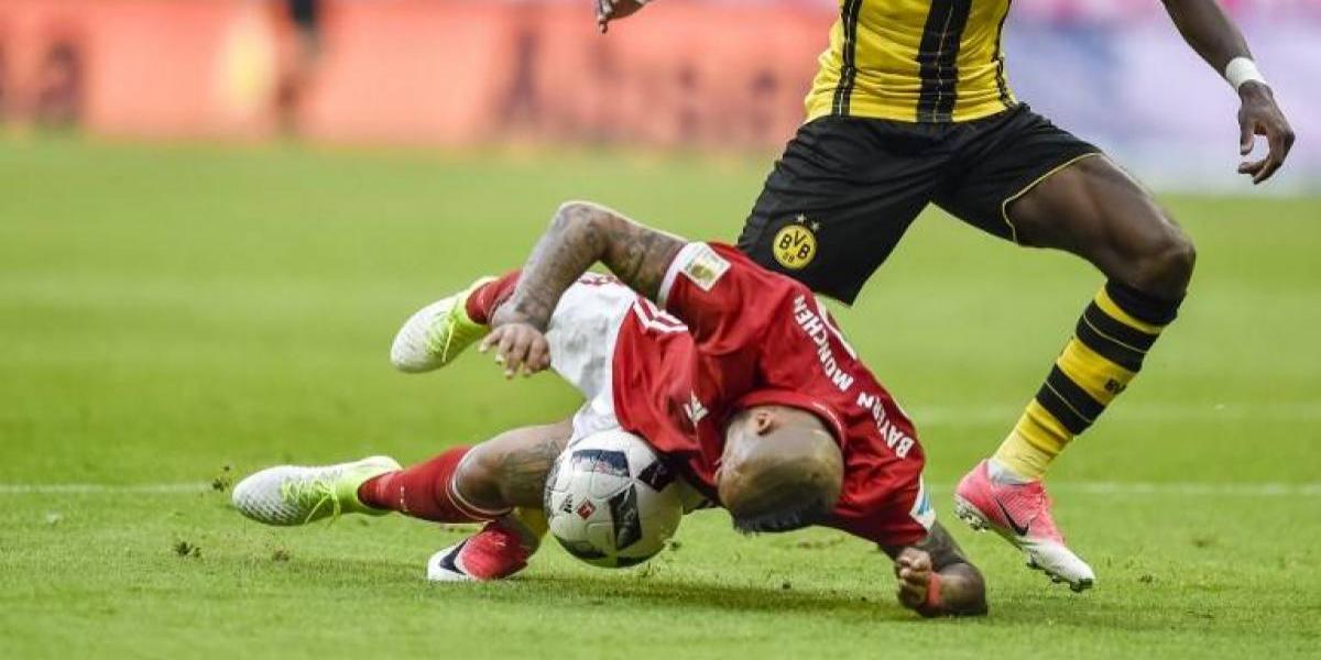 La recordada trancada de Vidal con la cabeza postula a uno de las mejores quites del año