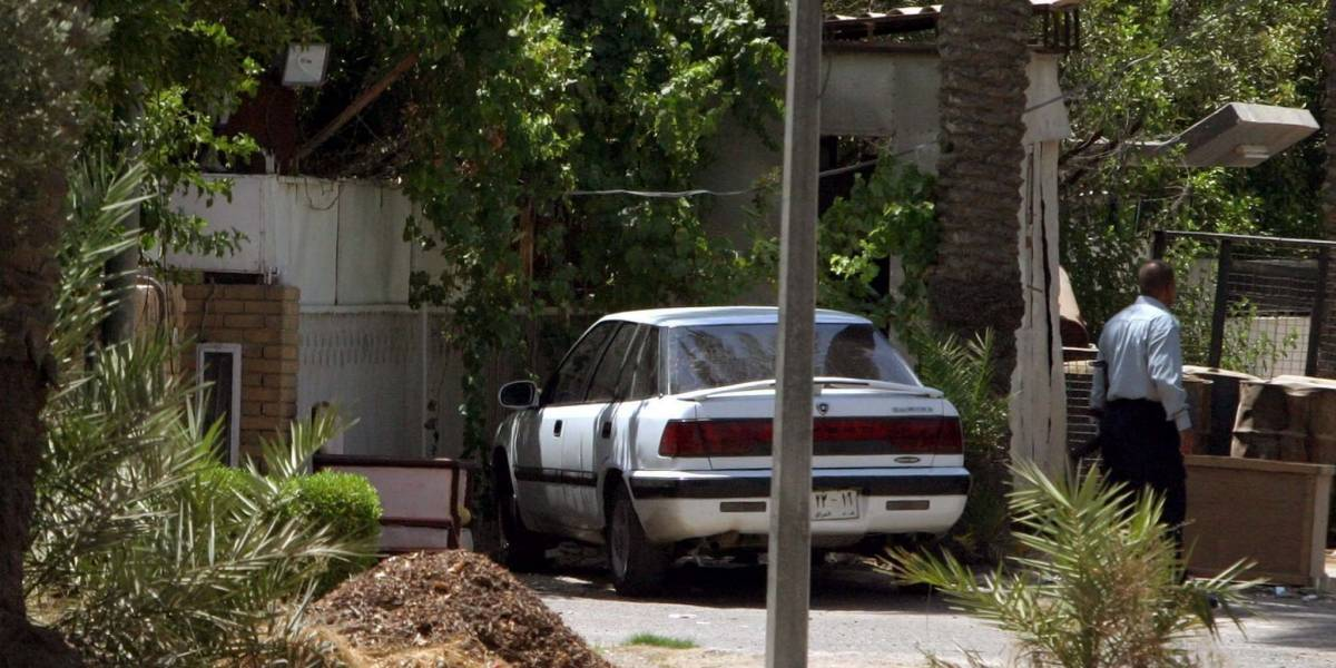 Dos menores murieron después de que su madre los dejara en un carro por castigo
