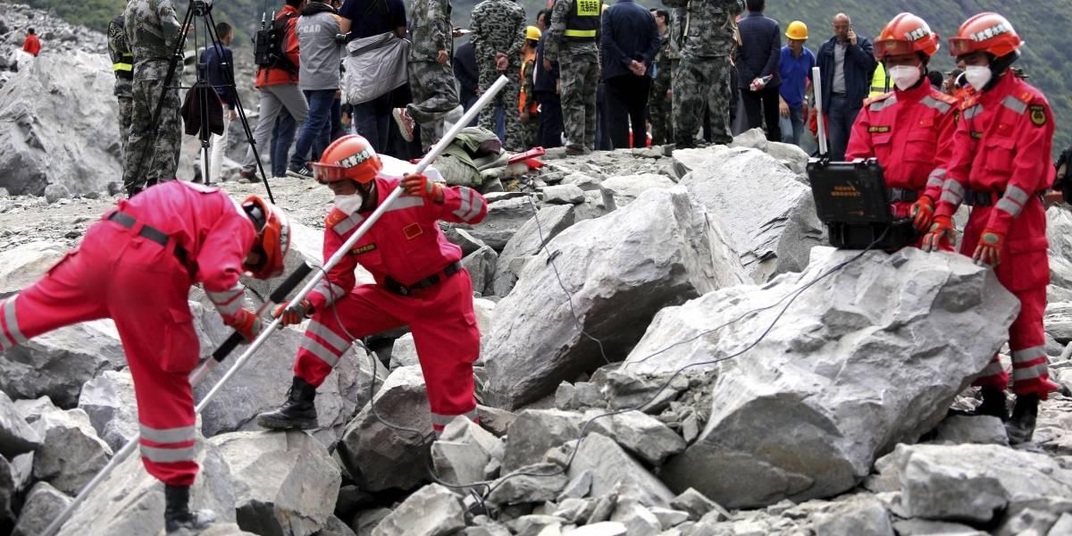 China busca a 93 desaparecidos por desprendimiento que ha causado 10 muertos