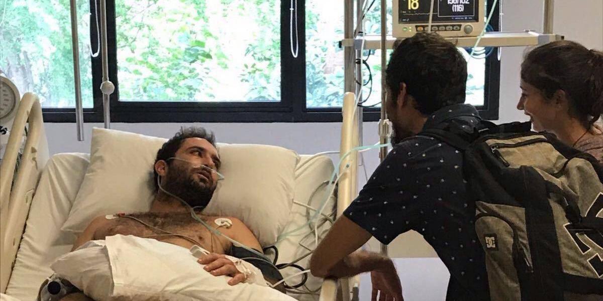 Surfero mexicano con leucemia está atrapado en Bali por culpa de su seguro