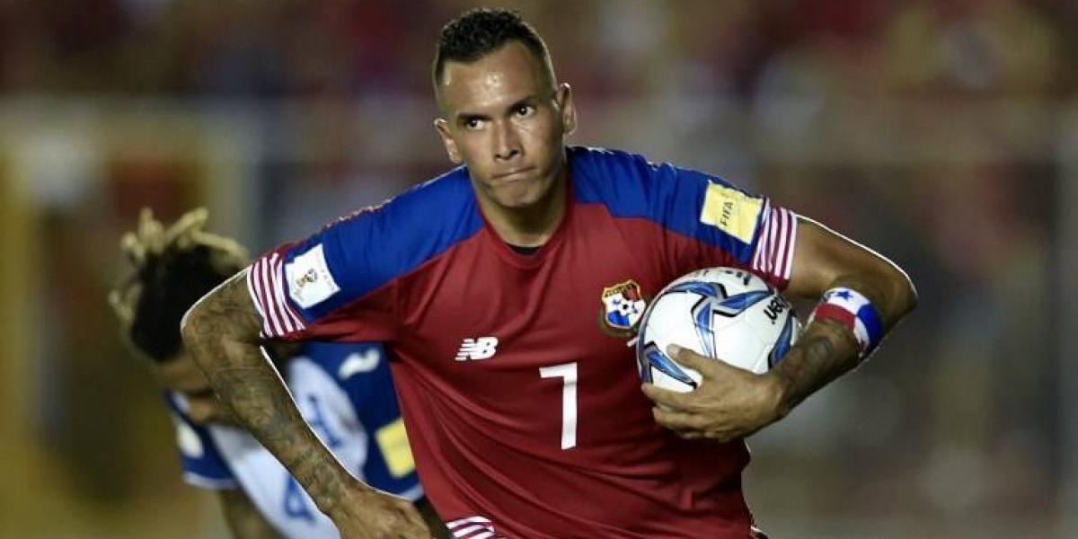 Municipal confirma que el panameño Blas Pérez será su nuevo delantero