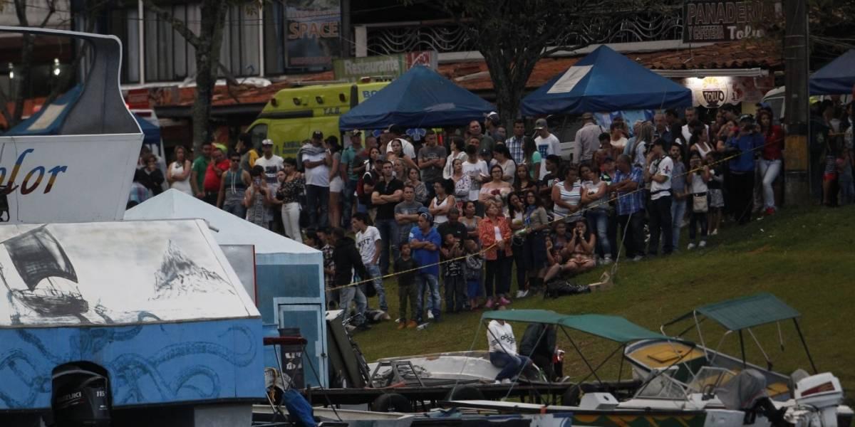 Buzos reanudan búsqueda de desaparecidos en naufragio de barco