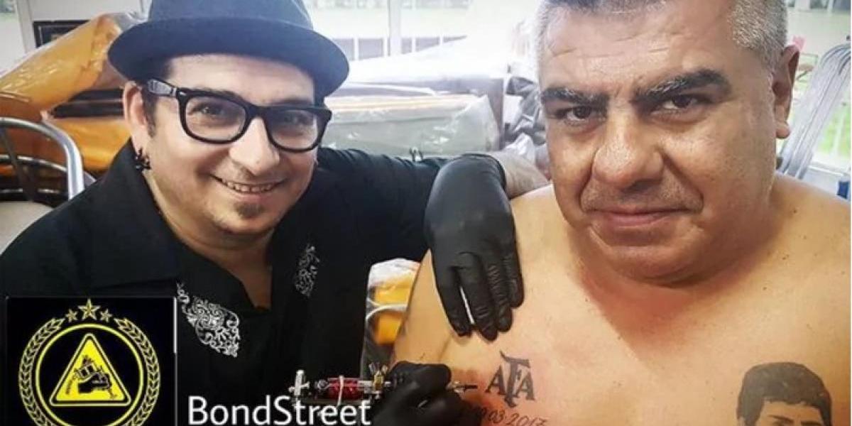 Con la AFA en el pecho: El presidente Chiqui Tapia sorprendió con nuevo tatuaje