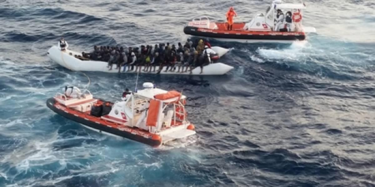 Autoridades de Colombia reinician la búsqueda de 16 turistas desparecidos en naufragio