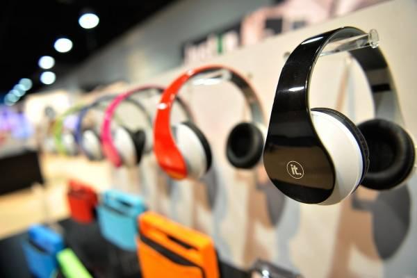 33045ace165 Auriculares Bluetooth y otras increíbles ofertas en Amazon ...