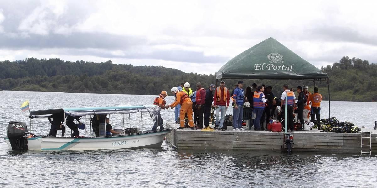 Rescatistas encuentran el cuerpo de uno de los desaparecidos en naufragio de Guatapé