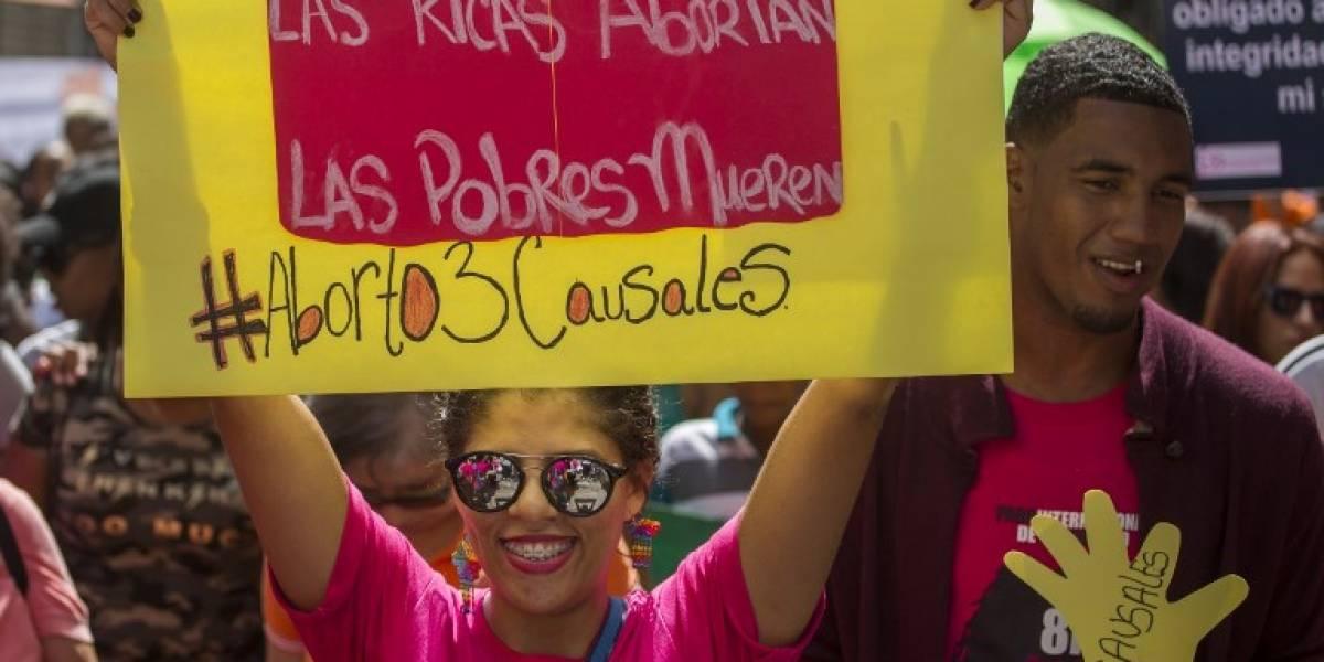 Marchan para exigir despenalización del aborto en República Dominicana