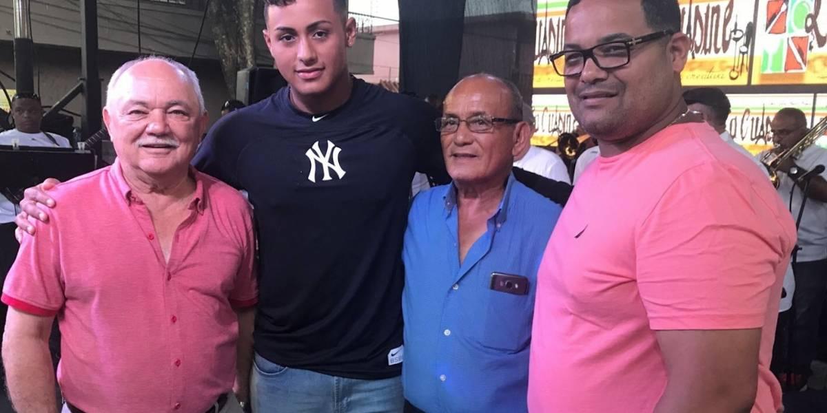 Boricua de 16 años firma con los Yankees