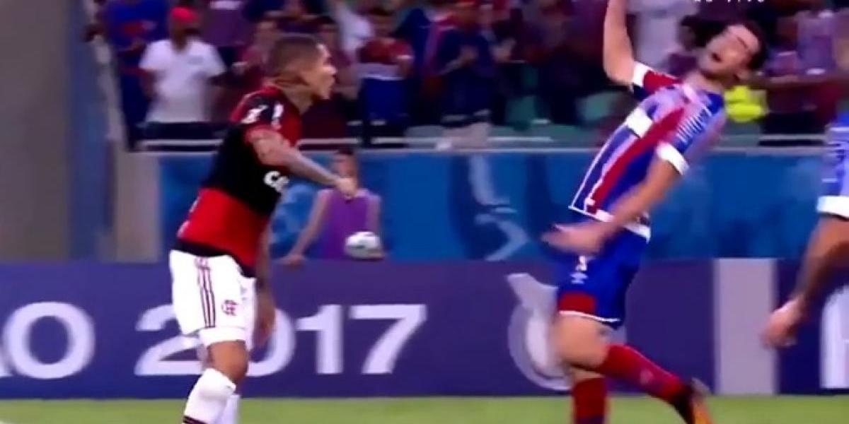 Futbolista brasileño realiza la peor simulación de una agresión