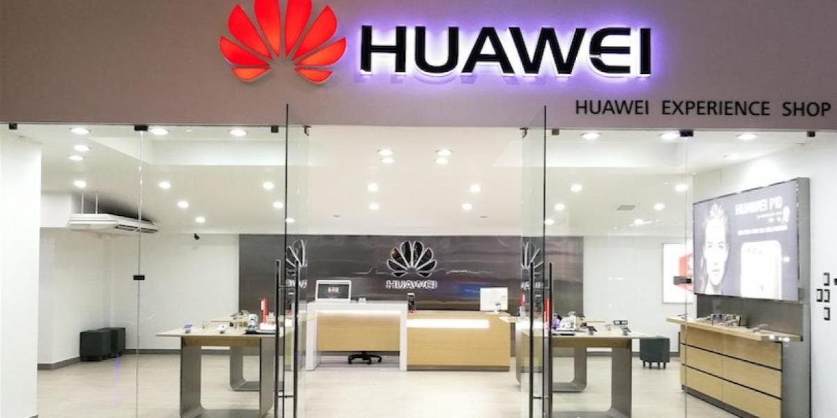 Reaperturan el centro de servicio de Huawei en Tikal Futura