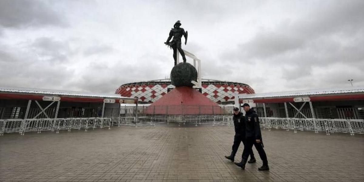 Pelea de hinchas chilenos en Rusia terminó con dos apuñalados y con una causa penal abierta