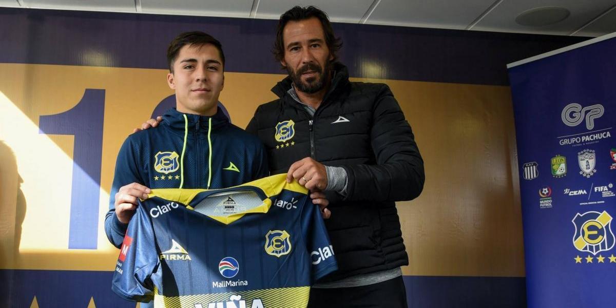 Jaime Carreño sueña con hacer dupla con Kevin Medel en el mediocampo de Everton