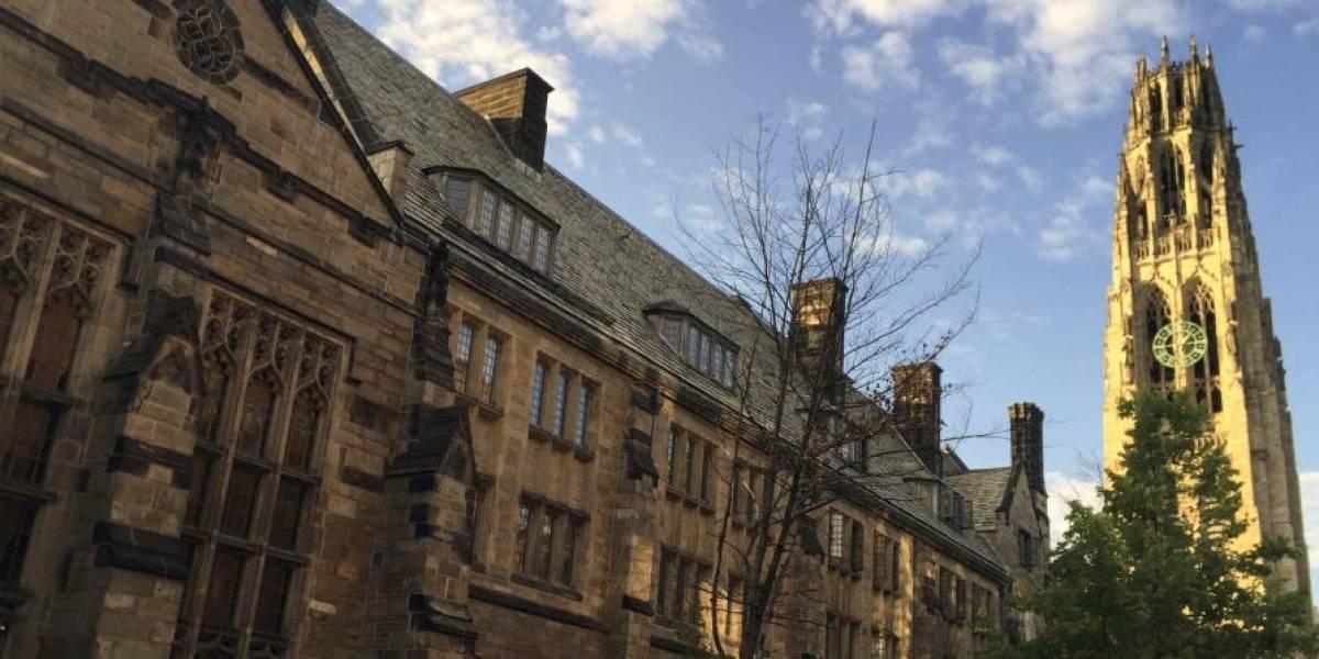 Yale demanda a Connecticut por baños de género neutro