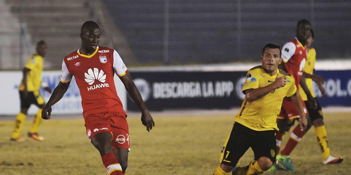 ¡Punto y aparte! Santa Fe cumplió en Guayaquil y rescató un empate