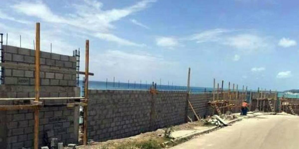 Residentes en la Ciénaga a favor del hotel Bahoruco Beach Resort; dicen Gonzalo Castillo es un visionario