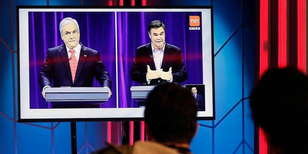 """""""No te declararon reo por lindo"""": el Hashtag que impuso Ossandón en feroz ataque a Piñera en debate de Chile Vamos"""