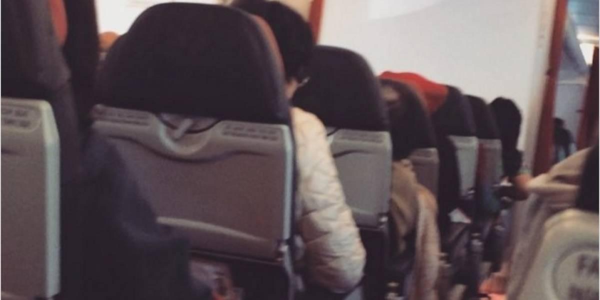 Pasajeros grabaron cómo temblaba un avión en pleno vuelo