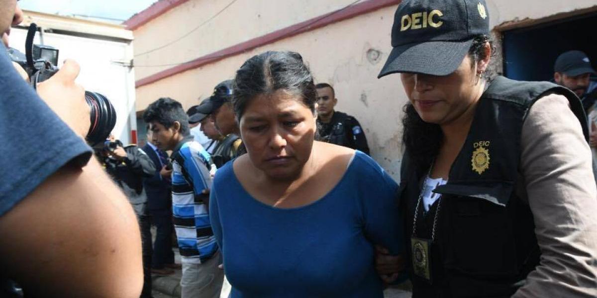 Capturan a mujer que prostituía a su hija