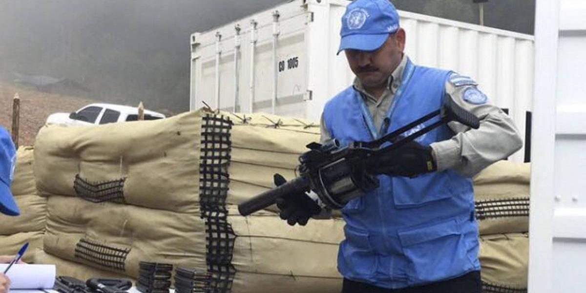 Colombia: Rebeldes de las FARC entregan las armas después de 53 años de guerra