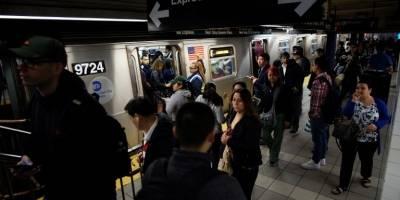Descarrilamiento paraliza varios trenes del subway en Manhattan