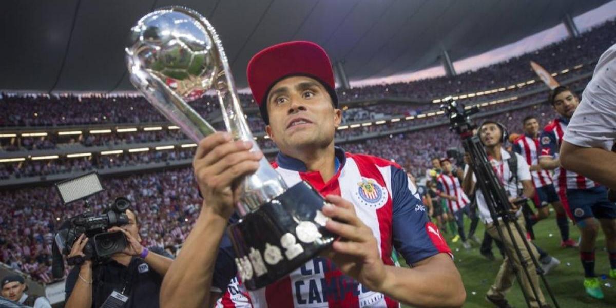 Chivas no se conforma y desea levantar más trofeos