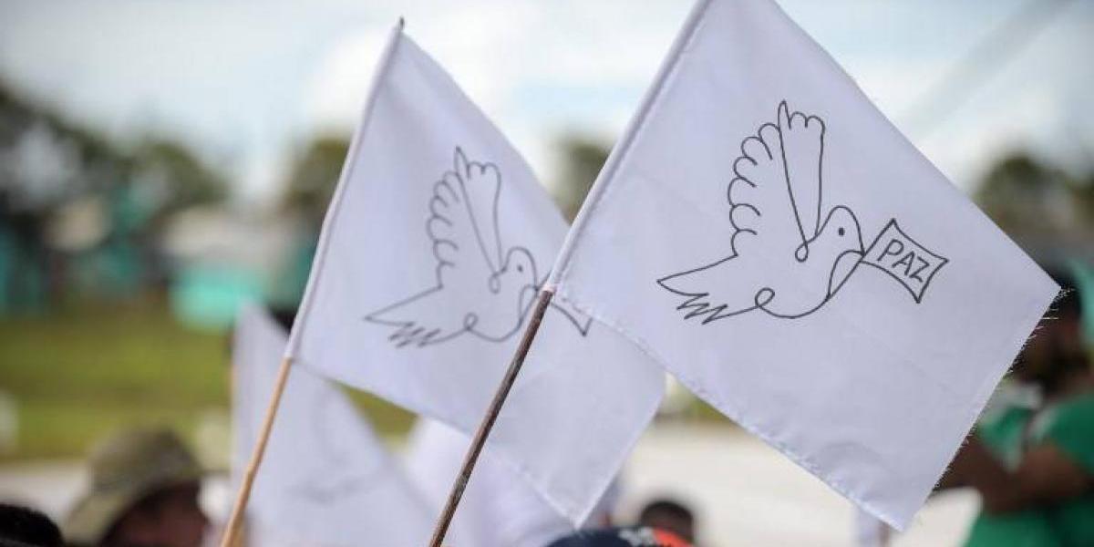 """""""Adiós a las armas"""", las Farc inicia la vía política en una Colombia que busca la paz"""