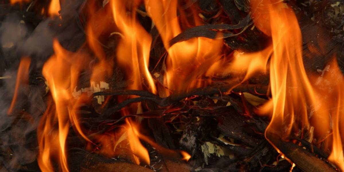 Joven sufre quemaduras por incendio de generador eléctrico