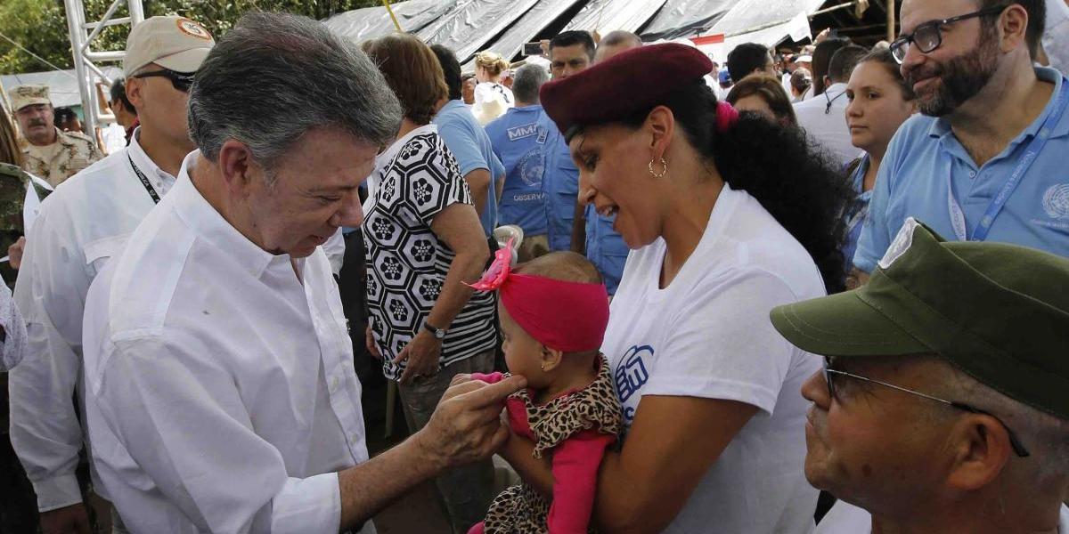 Presidente de Colombia suspende nuevo ciclo de negociaciones con ELN