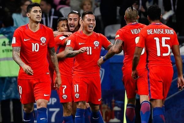 Hernández sería titular ante Portugal / Photosport