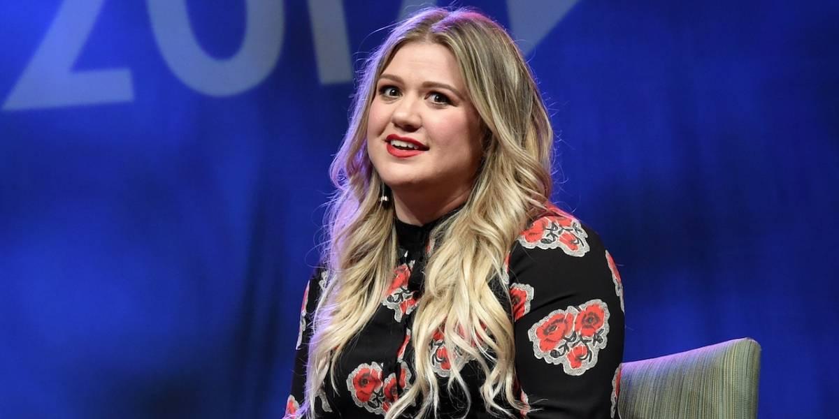 'Pensei que eu era assexual', diz Kelly Clarkson sobre antes de conhecer o marido