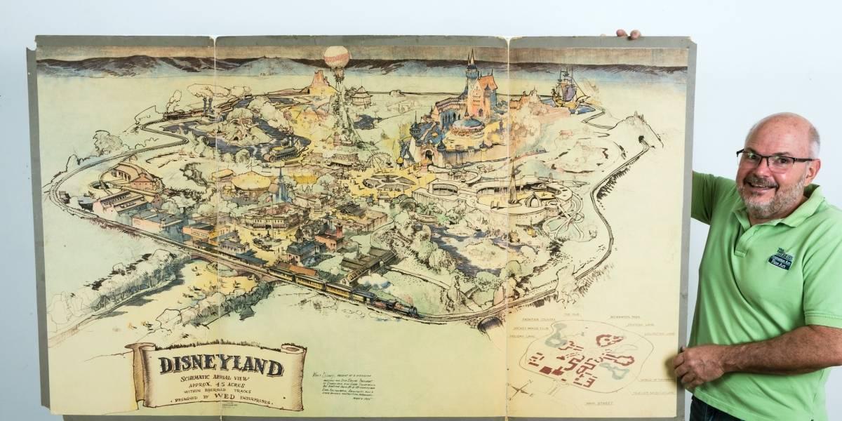 Venden mapa original de Disneyland