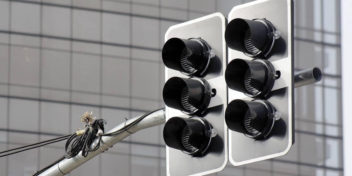 MPE investiga licitação de Doria para conserto de semáforos em SP
