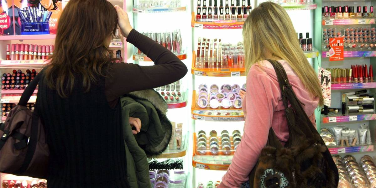 Movimento nos shopping centers cresce 10,9% em outubro ante setembro