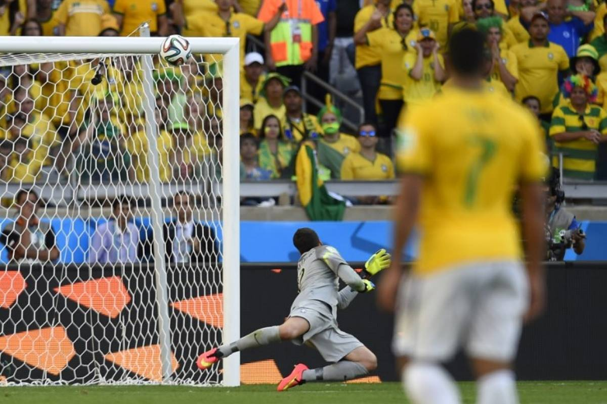 Otra vez Brasil, pero en 2014, la Roja llevó al Scratch contra las cuerdas - AFP