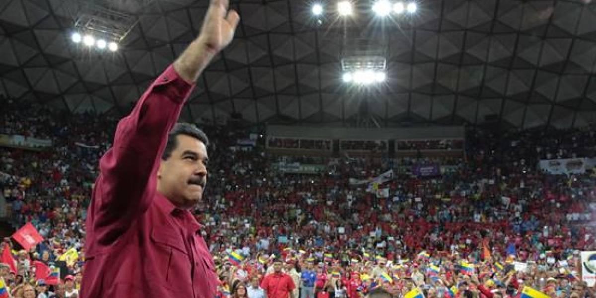 """Maduro advierte que """"Lo que no se pudo con los votos, se haría con las armas"""""""