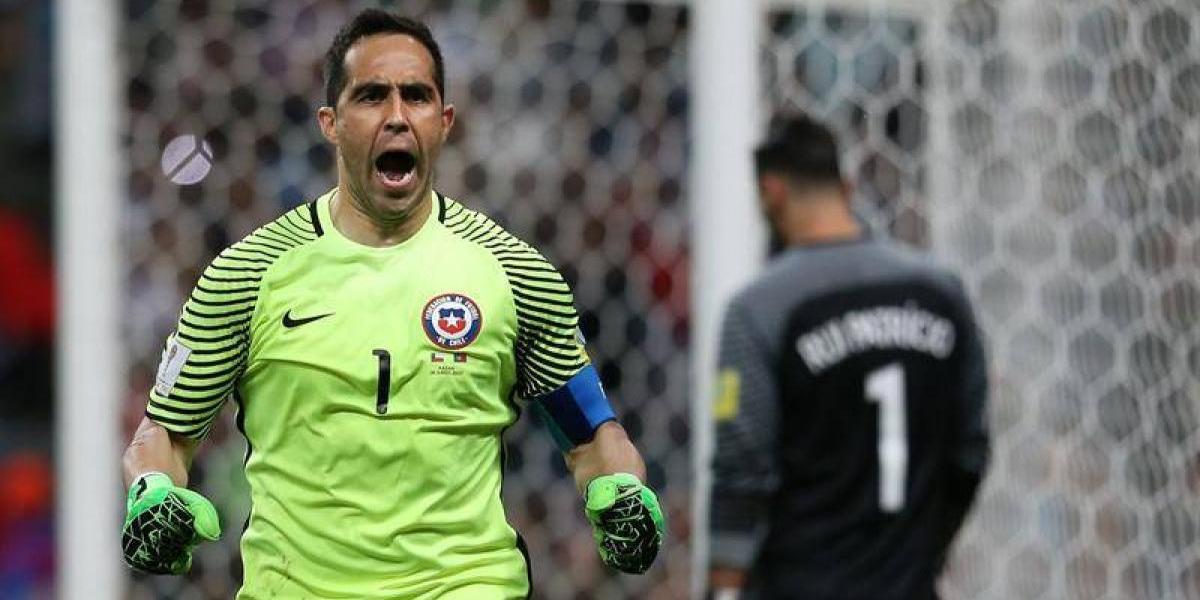 Especialista total: Claudio Bravo siempre atajó penales en las definiciones con Chile